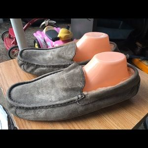 Ugg Gray Suede  Fur Lined Slip-on Slippers Size 13